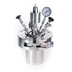 200 bar<br/>High pressure reactor